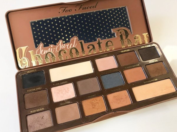 Too Faced-SemiSweet Chocolate Bar Palette.jpg