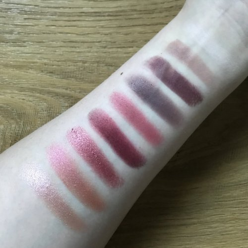 Huda Beauty Mauve Obsessions Palette swatches